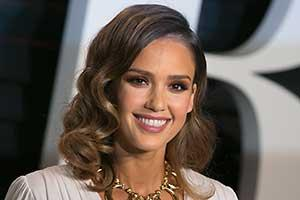 Thursday's PM Hot Clicks: Jessica Alba