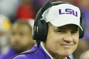 Watch: Les Miles can't wait to text high schoolers
