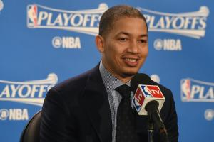 Report: Tyronn Lue hasn't signed contract