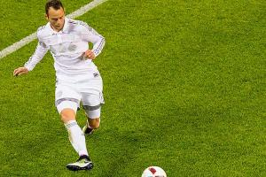 Watch: Brad Davis scores beautiful curling shot