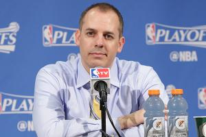 Pacers haven't discussed Frank Vogel extension