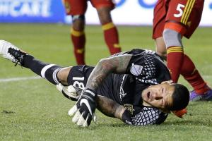 RSL's Nick Rimando makes ridiculous double-save