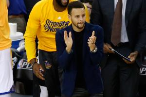 Stephen Curry on chances of playing in Game 3: 'To me...