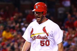 Watch: Cardinals' Wainwright hits homer