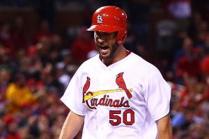 Watch: Cardinals' Wainwright hits homer