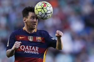 Watch: Messi shoots on inflatable goalkeeper