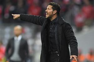 Video: Atletico coach Diego Simeone hits staffer