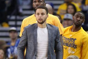 Curry (knee) has platelet-rich plasma treatment