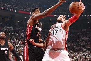 Raptors find different way to win against Heat