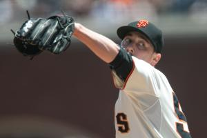 Report: RHP Tim Lincecum to throw for MLB scouts