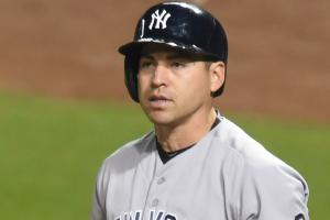 Jacoby Ellsbury hurt on a steal, exits game