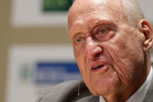 Joao Havelange turns 100, plans to attend Olympics