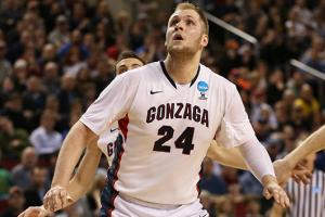 Should Przemek Karnowski go pro or return to Zags?