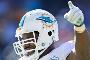 Wake signs two-year extension with Dolphins