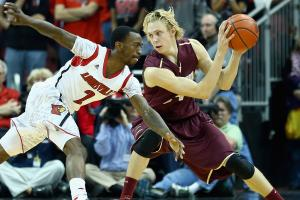 Florida picks up graduate transfer Canyon Barry