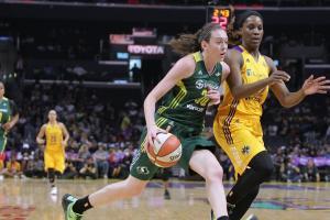 Watch: Breanna Stewart scores 23 in WNBA debut