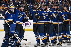 Blues' Elliott leads team to Game 1 win vs. Sharks