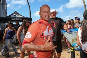 Extreme Exposure: Kelly Slater passes out at yoga