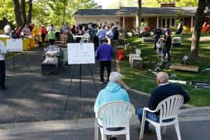 Bud Grant's annual yard sale in Minneapolis draws thousands from around the region.