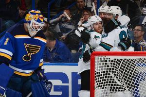 Burns, Jones help Sharks beat Blues, even series