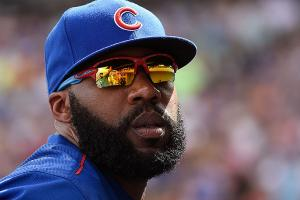 Watch: Jason Heyward exits game after deep catch