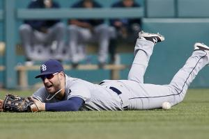 Rays' Kevin Kiermaier (hand) leaves vs. Tigers