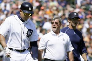Tigers' Cabrera, Zimmermann exit with injuries