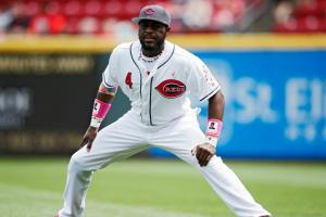 Brandon Phillips's 2-year-old shows off his skills
