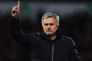 Ferdinand congratulates Mourinho on United job