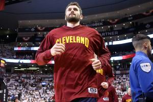 Cavaliers' Kevin Love injured in Game 4 loss