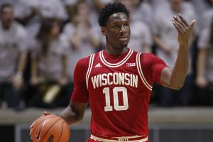 Nigel Hayes will return to Wisconsin