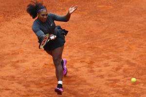 Serena Williams stars in new trick shot video