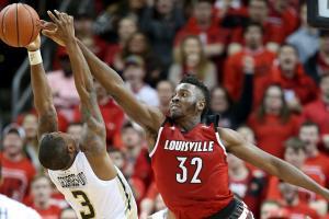 Pitino: Onuaku will remain in NBA draft