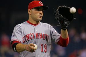 Reds' Joey Votto crushes paper airplane