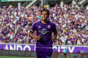 Kaka added to Brazil roster after Costa injury