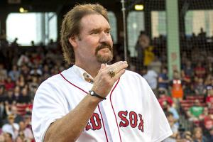 Wade Boggs wears Yankees ring to Red Sox ceremony