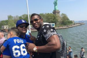 Puig met a Puig fan at the Statue of Liberty
