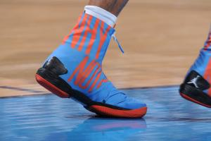Russell Westbrook changed shoes at halftime