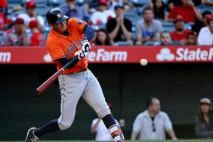 Carlos Correa gives Astros win with pinch-hit homer