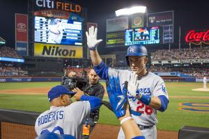Utley tortures Mets, Syndergaard gets tossed