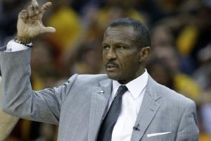 Raptors in extension talks with Dwane Casey