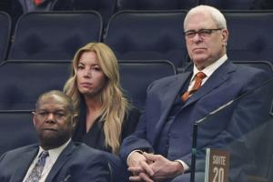 Jeanie Buss: Phil Jackson 'committed to New York'