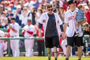 Boston bombing survivor Jeff Bauman to mile race