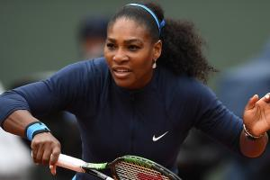 Serena Williams survives French Open upset bid