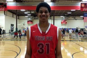 Five-star C Jarrett Allen commits to Texas