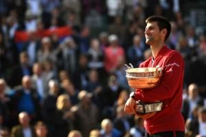 Djokovic praised after French Open title