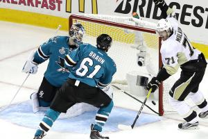 Penguins hold off Sharks for Game 4 win