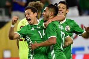 Tecatito Corona scores an incredible goal to lead Mexico back vs Venezuela