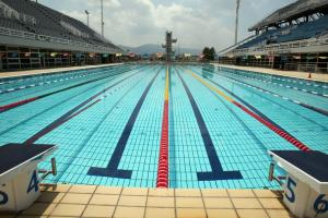 Watch: Swimmer shows off four strokes in reverse