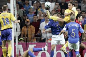 Zlatan Ibrahimovic scores vs. Italy at Euro 2004